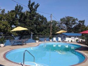 Lake Breeze Pool